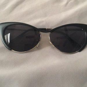 Woman's cat eye sunglasses